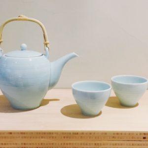 Tea set light blue HUG THE TEA