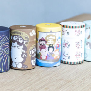 Tea cans japan