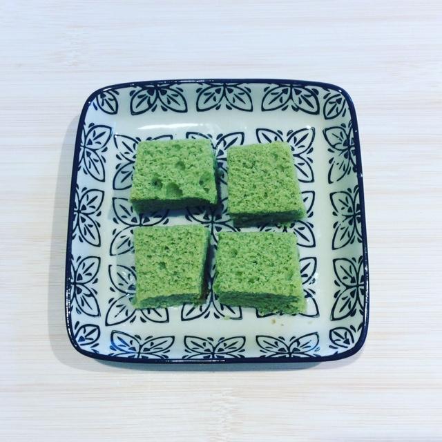 Matcha cake hug the tea