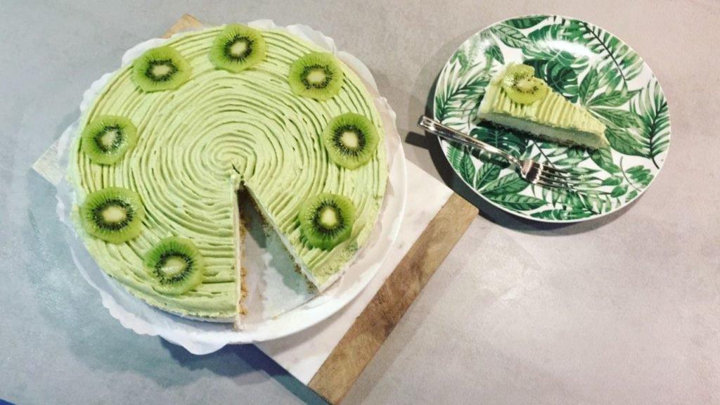 Matcha cake kiwi