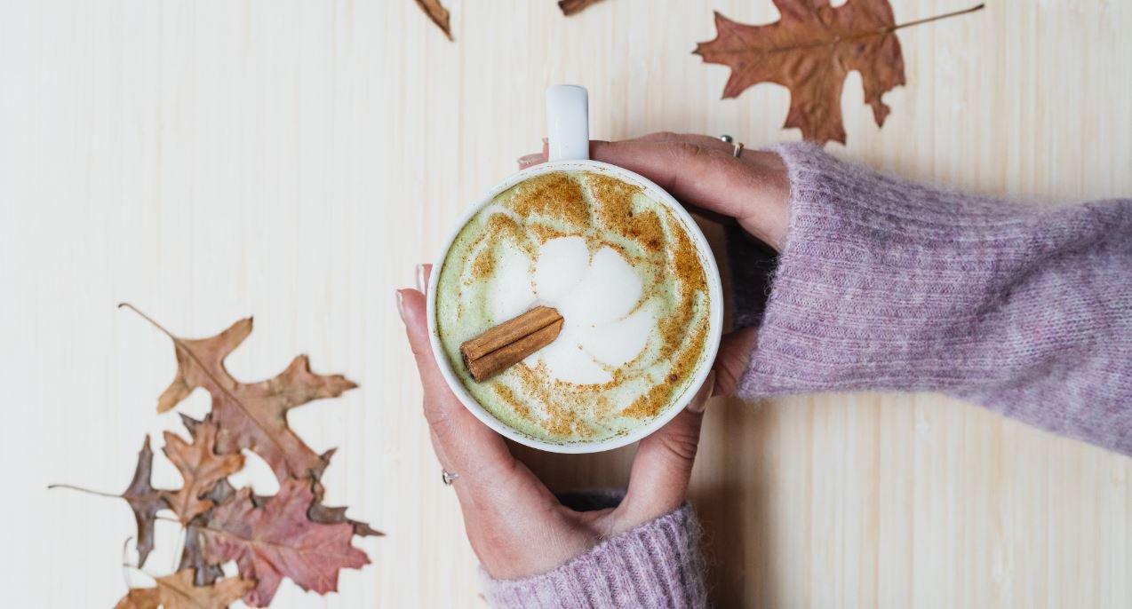 Gingerbread matcha latte